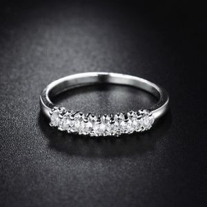 Jewelry - 18kt White Gold Ring